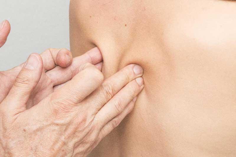 4 ting du skal have til at bekæmpe dine rygsmerter